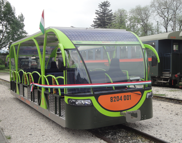 vili Hungarian photovoltaic train solar railstock